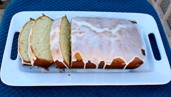 Lemon Loaf Cake with Glaze Frosting
